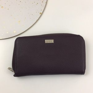 thirty-one Bags - Thirty one deep plum jewel wallet